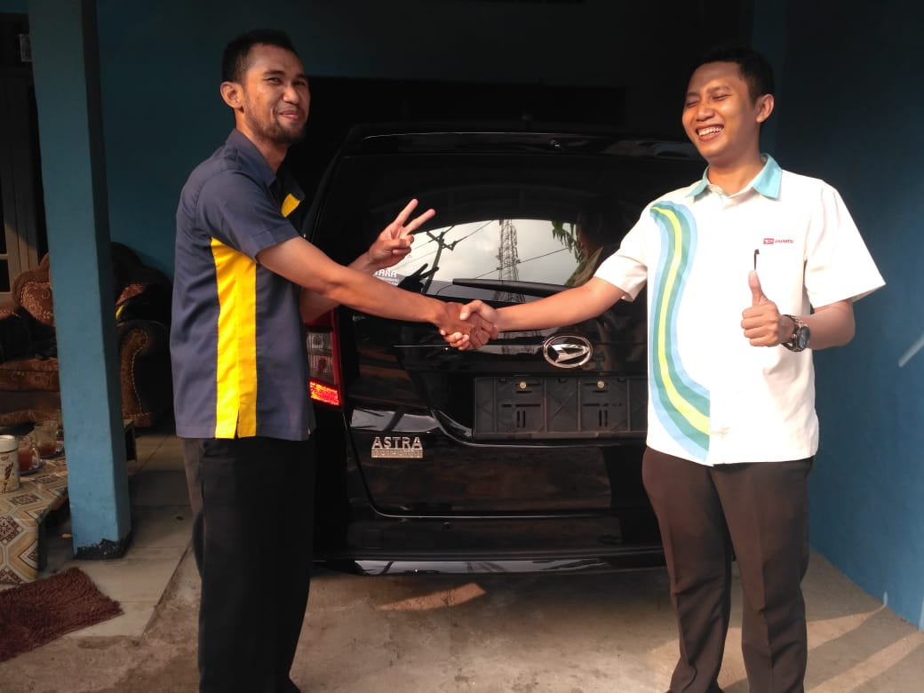 Sales Marketing Mobil Dealer Daihatsu Gian