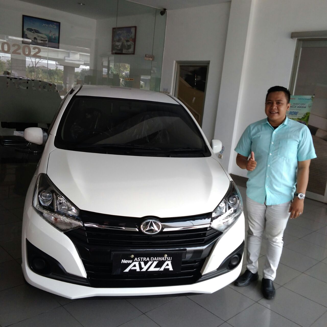 Sales Marketing Mobil Dealer Daihatsu Tambun Asep Febrianto