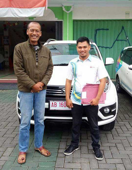 Sales Marketing Mobil Dealer Mobil Daihatsu Bantul Gunawan