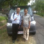 Foto-Penyerahan-Unit-4-Sales-Marketing-Mobil-Dealer-Daihatsu-Madiun-Mahmud-Handoyo