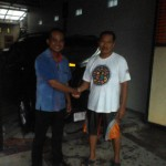 Foto Penyerahan Unit 7 Sales Marketing Mobil Dealer Daihatsu Madiun Mahmud