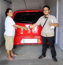 sales-marketing-mobil-dealer-daihatsu-rembang-arif
