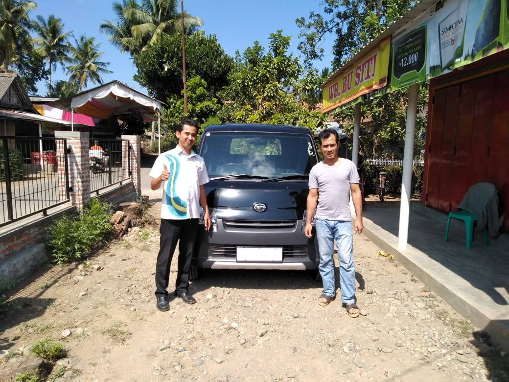 Sales Marketing Mobil Dealer Daihatsu Tiyo