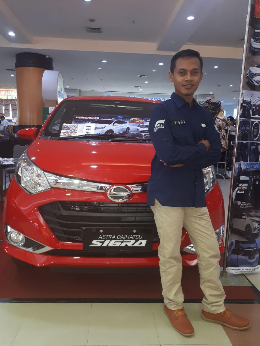 Sales Marketing Mobil Dealer Daihatsu Wahyudi