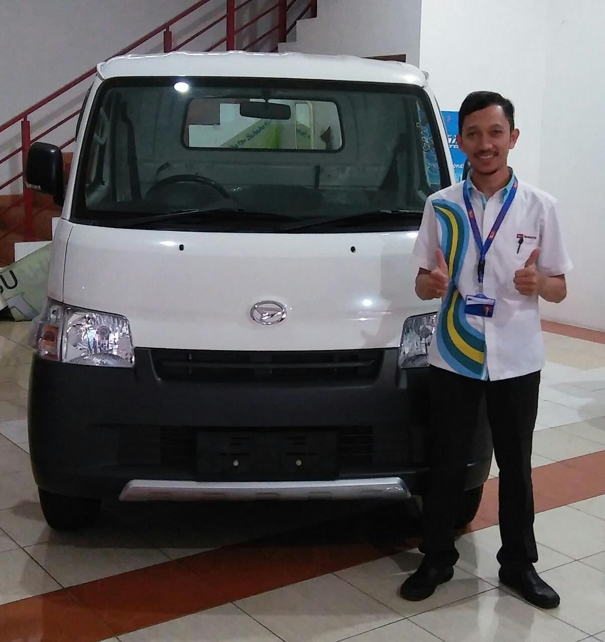 Sales Marketing Mobil Dealer Daihatsu Yusril