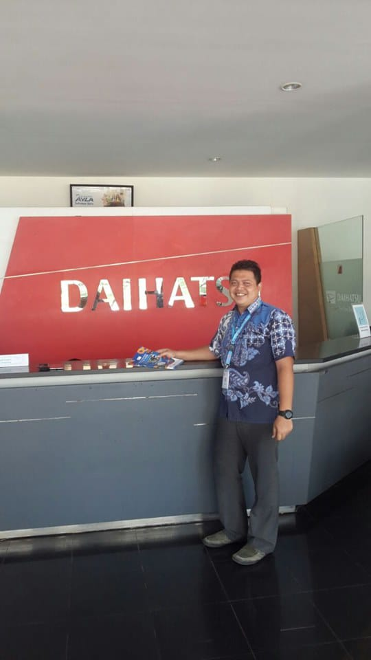 Sales Marketing Mobil Dealer Daihatsu Adri